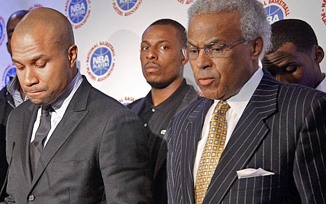 Are Derek Fisher and Billy Hunter in over their heads? Maybe. Are NBA agents masters of spin? Yes. (AP)