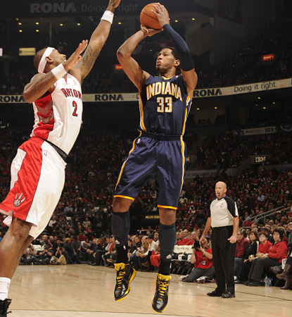 Danny Granger scores nine of his 21 points in the fourth quarter to spoil the home opener for the Raptors. (AP)