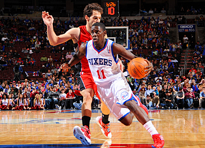 Jrue Holiday keeps the surprising 76ers chugging along, scoring 14 points against the Raptors. (Getty Images)