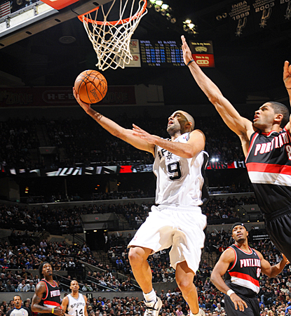 The Spurs' Tony Parker drives for a layup en route to scoring 20 points against the Trail Blazers. (Getty Images)