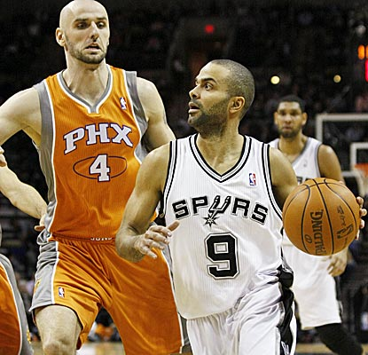 Tony Parker gets into the lane all night, scoring 17 points and dishing out nine assists.  (AP)