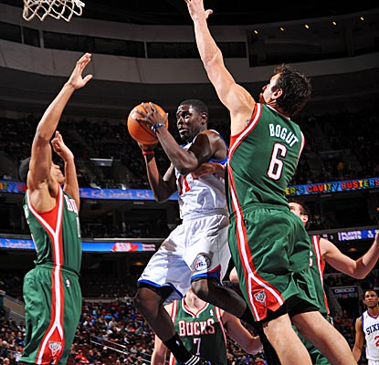 Jrue Holiday helps the Sixers extend their Atlantic Division lead to four games, scoring a season-high 24 vs. the Bucks. (Getty Images)