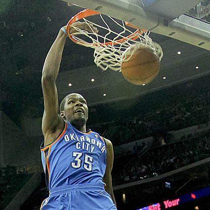 Kevin Durant scores 20 points and grabs a season-high 15 rebounds for the Thunder.  (US Presswire)