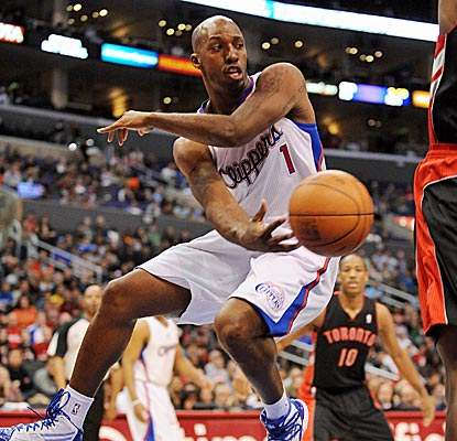 The Clippers' Chauncey Billups makes up for Chris Paul's absence by dishing out 14 assists.  (AP)