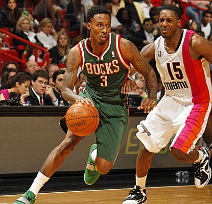 Brandon Jennings scores 23 points as Milwaukee notches its second straight road victory.  (Getty Images)
