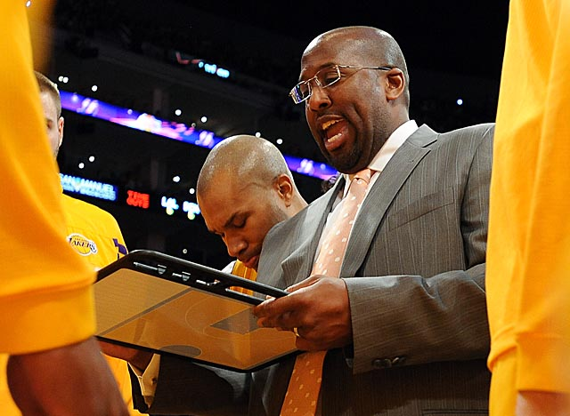 Mike Brown isn't living up to expectations as the best coach for the Lakers following Phil Jackson. (Getty Images)