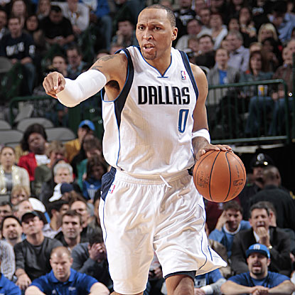 Shawn Marion steps up for the depleted Mavericks by providing a season-best 29 points against his former team. (Getty Images)