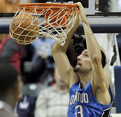 Ryan Anderson puts up 24 points to help the Magic recover from Monday's franchise-worst offensive effort. (AP)
