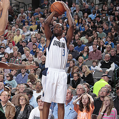 Roddy Beaubois scores a season-high 22 points in his first start of the season for the Mavericks.   (Getty Images)