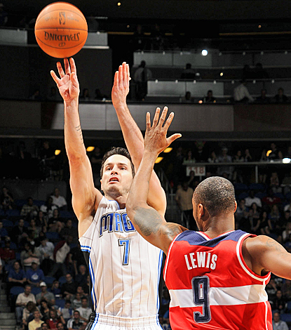 J.J. Redick helps the Magic end their losing streak by scoring 21 points against the Wizards. (Getty Images)