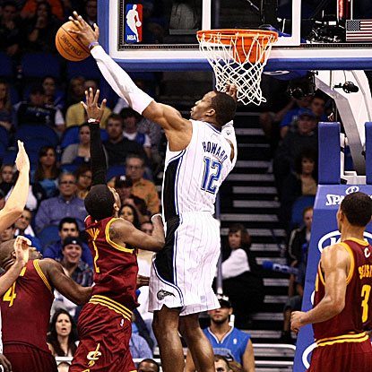 Dwight Howard blocks eight shots and grabs 16 rebounds (both game highs) in the Magic's win.  (US Presswire)