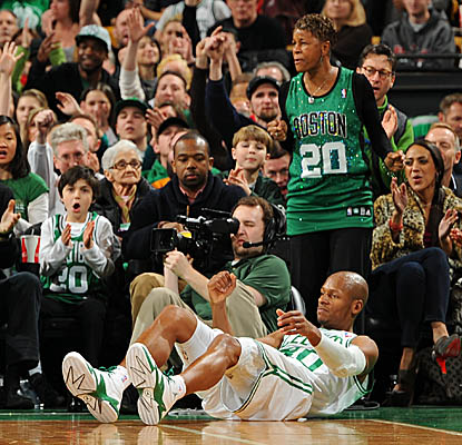 Ray Allen's mom leads the TD Garden cheers as her son watches one of his three 3-pointers go down.  (Getty Images)