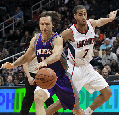 Steve Nash might be getting up there in age, but it doesn't show on the court. He finishes with 24 points and 11 dimes. (AP)