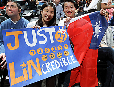 Fans at Target Center go 'Linsane' last Saturday as the Wolves hosted the Knicks. (Getty Images)