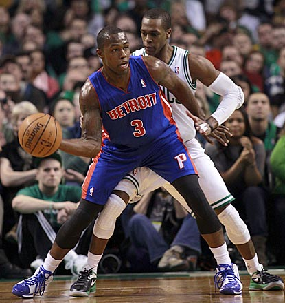 Rajon Rondo (right) outscores Rodney Stuckey 35-25, but the Pistons wind up with a road victory.  (US Presswire)