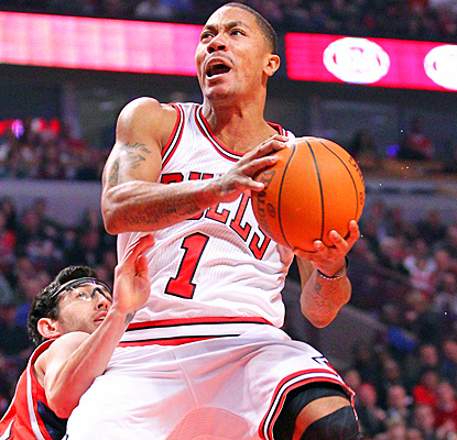 Derrick Rose shows no signs of rust in his return, scoring a game-high 23 points against the Hawks. (US Presswire)
