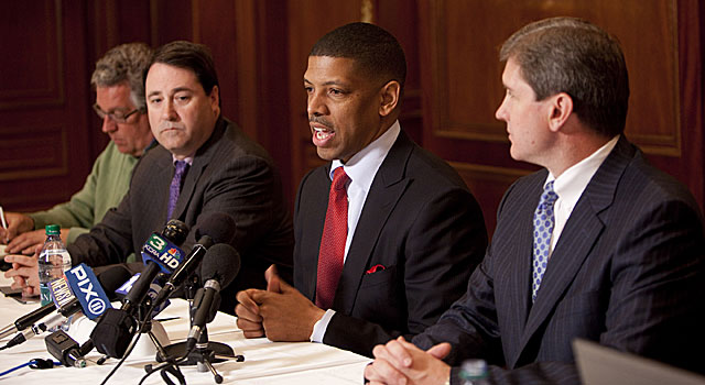 Sacramento mayor Kevin Johnson (middle), a former King, helps forge a deal for his old team. (Getty Images)