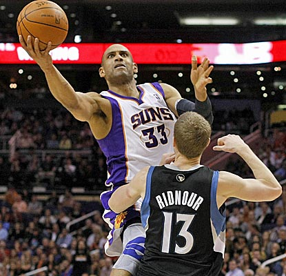 Grant Hill scores a season-high 20 points, 15 in the second half, while Steve Nash dishes a season-high 17 assists.  (US Presswire)