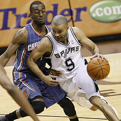 Tony Parker scores 15 points in the Spurs' win as the Bobcats suffer their 20th loss in 21 games.  (US Presswire)