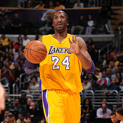 In his second straight game in a protective mask, Kobe Bryant scores 38 points in the Lakers' victory over the Kings.  (Getty Images)