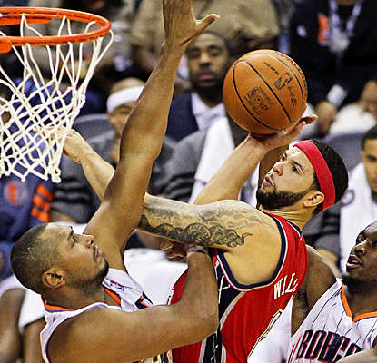 The Nets' Deron Williams powers through the Bobcats' defense for a franchise-record 57-points. (AP)