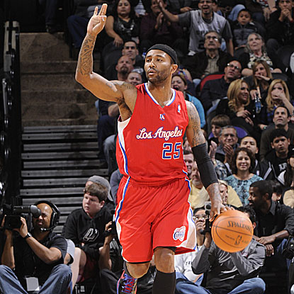 Mo Williams scores 33 points off the bench (including 7 of 9 from 3-point range) to lead the Clippers past the Spurs.  (Getty Images)