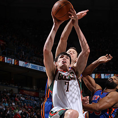 Ersan Ilyasova scores 26 points, including two from a critical putback in the game's final minute, in the Bucks' win.  (Getty Images)
