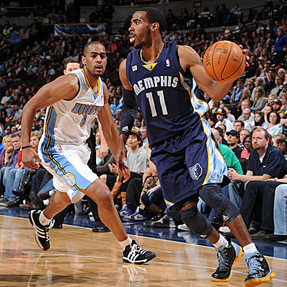 Mike Conley scores 13 points for the Grizzlies, who snap an eight-game losing streak against the Nuggets in Denver.  (Getty Images)