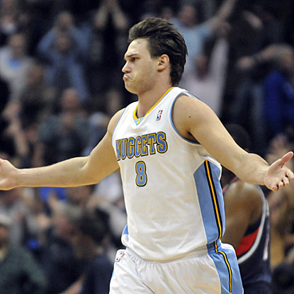 Danilo Gallinari chips in 19 points in the Nuggets' win, his best game since returning from an injured left ankle. (AP)