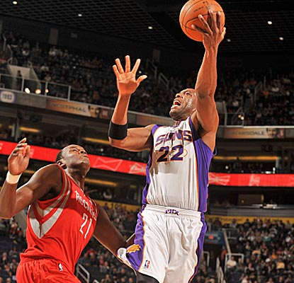 Michael Redd finds his old form, scoring 25 big points off the bench for the Suns.  (Getty Images)