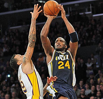 Paul Millsap scores 24 points to help the Jazz snap the Lakers' five-game winning streak.  (Getty Images)