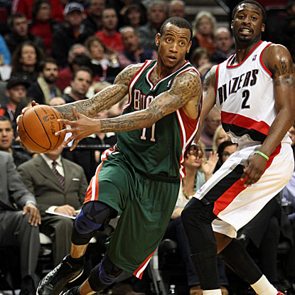 Monta Ellis adds 14 points and nine assists in the Bucks' sixth straight victory, defeating the Trail Blazers.  (US Presswire)