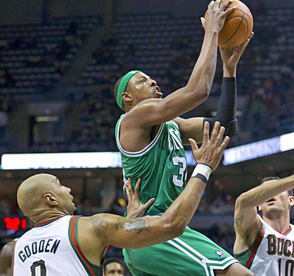 Paul Pierce finishes with 25 points to help the Celtics improve to 4-3 on their eight-game road trip. (US Presswire)