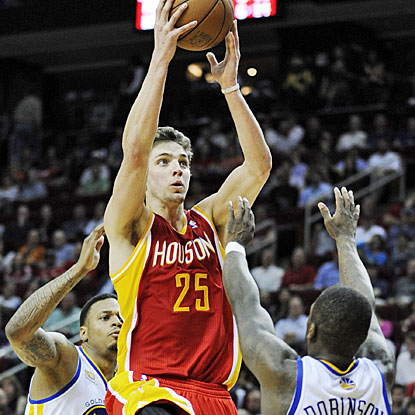 Chandler Parsons contributes with 20 points and grabs a career-high 11 rebounds for the Houston Rockets. (AP)