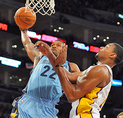 Rudy Gay helps the Grizzlies snap a three-game road losing skid with a team-high 18 points against the Lakers. (US Presswire)