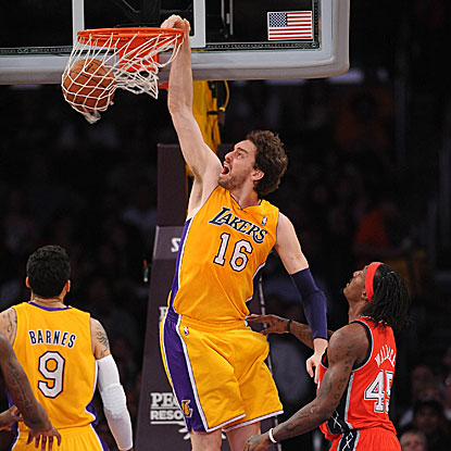 Pau Gasol contributes 22 points and 12 rebounds as the Lakers hold off the Nets to win.  (Getty Images)
