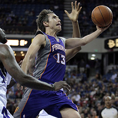 The Suns' Steve Nash scores 18 points and distributes a game-high 12 assists in their win against the Kings.  (US Presswire)