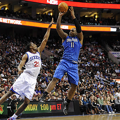 Glen Davis complements Dwight Howard in the Magic front court, getting 23 points and 12 rebounds in their victory.  (US Presswire)