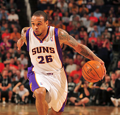 Shannon Brown hurts his  former team by dropping 24 points -- 20 coming in the third quarter alone. (Getty Images)