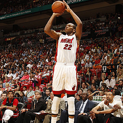 James Jones comes off the bench to score 18 points on 6-for-8 shooting from 3-point range for the Heat.  (Getty Images)