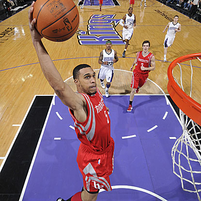 Courtney Lee scores a game-high 25 points as the Rockets win to move into the sixth spot in the West.  (Getty Images)