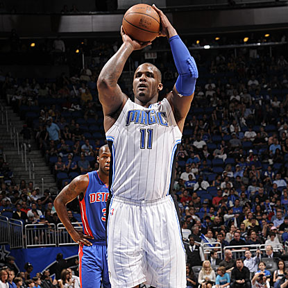 Starting in place for the injured Dwight Howard, Glen Davis scores 16 points and grabs 16 rebounds in the Magic's victory.  (Getty Images)