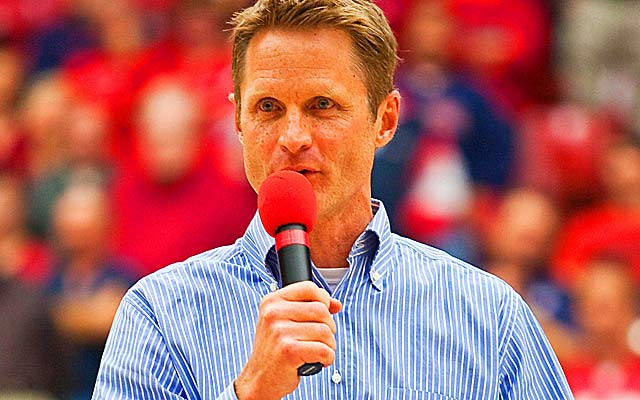 Will former Suns GM Steve Kerr ditch the broadcast booth to run another team? (US Presswire)