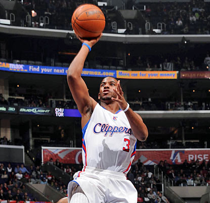 The Clippers' Chris Paul goes off for a team-high 28 points and also finishes with 13 assists. (Getty Images)