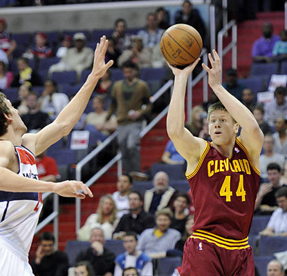 Luke Harangody leads the way for Cleveland with team highs in points (16) and rebounds (10). (AP)