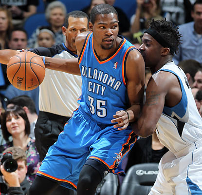 Kevin Durant finishes with 43 points, marking his fourth outing with 40 or more points on the season. (Getty Images)
