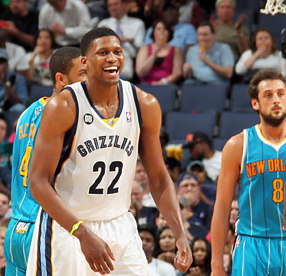 All smiles, Rudy Gay puts up 26 points as his Grizzlies clinch a postseason berth for the second straight season. (Getty Images)