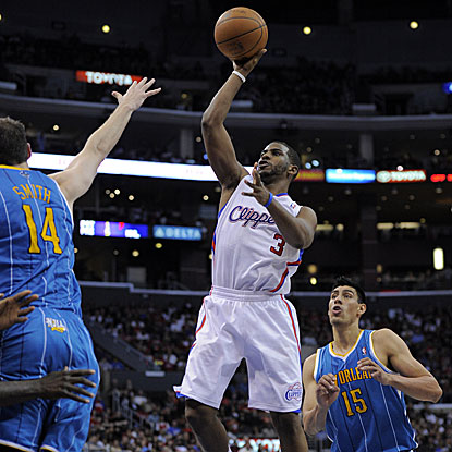Chris Paul scores 33 points as the Clippers get past the Hornets for their 40th victory, their most since 2006-07.  (AP)