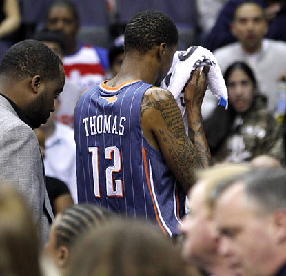 It goes from bad to worse for the Bobcats, who lose Tyrus Thomas after throwing a flagrant 2 foul elbow. (AP)