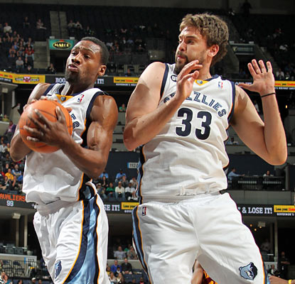 Tony Allen and Marc Gasol combine for 30 points to help the Grizzlies move a half-game back for the No. 4 seed. (Getty Images)